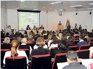 Palestra abordou consolidação do Sistema Único de Assistência Social e valorização de trabalhadores